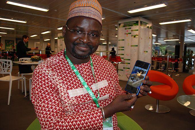 Le Space accueille chaque année beaucoup de visiteurs africains, comme ici le Dr Ibrahima Thiam, chef de la délégation du ministère de l'Élevage du Sénégal en 2019. Photo: Antoine Hervé